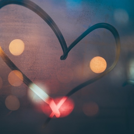 4 ways to woo your customers this Valentine's