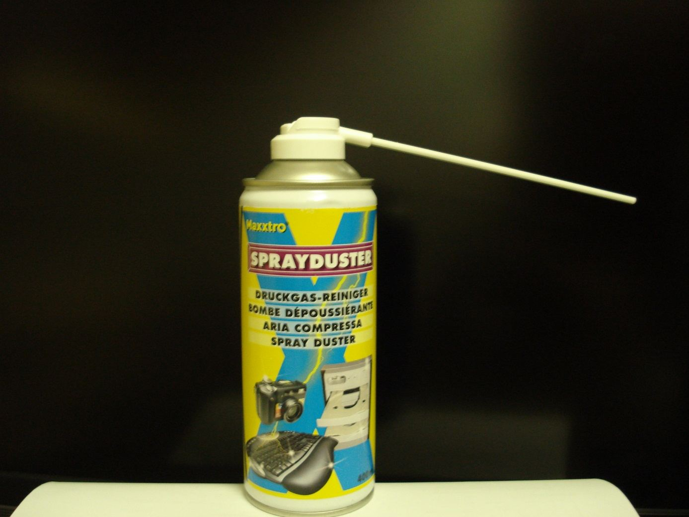 Spray duster